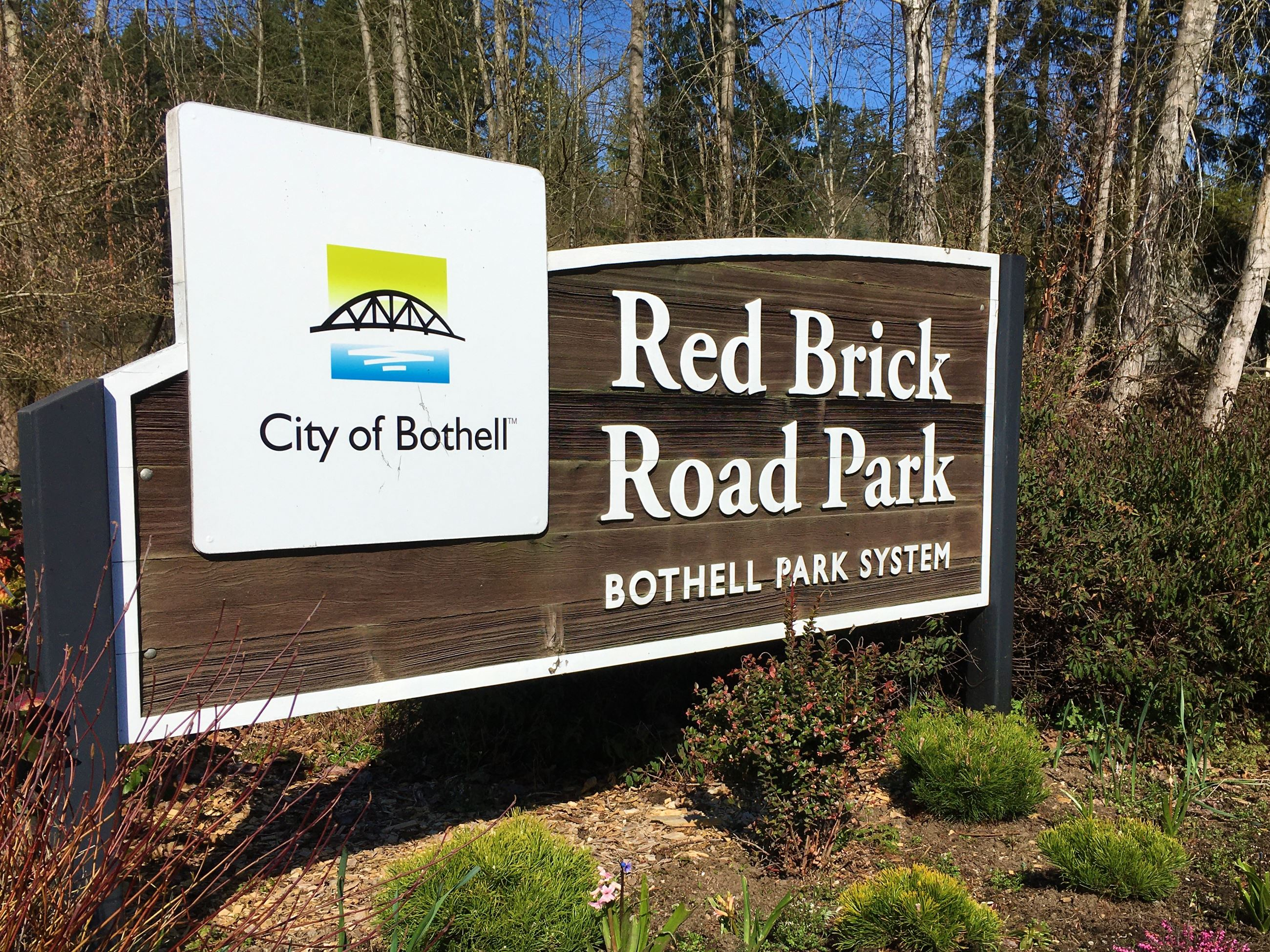 Red Brick Road Park sign W